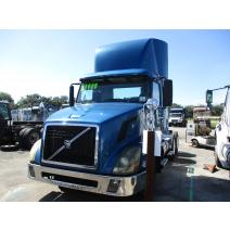LKQ Heavy Truck - Tampa WHOLE TRUCK FOR RESALE VOLVO VNL