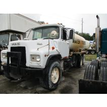 LKQ Heavy Truck - Tampa WHOLE TRUCK FOR RESALE MACK DM685