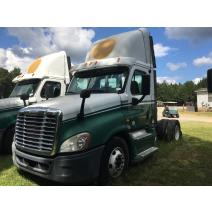LKQ Evans Heavy Truck Parts WHOLE TRUCK FOR RESALE FREIGHTLINER CASCADIA 125