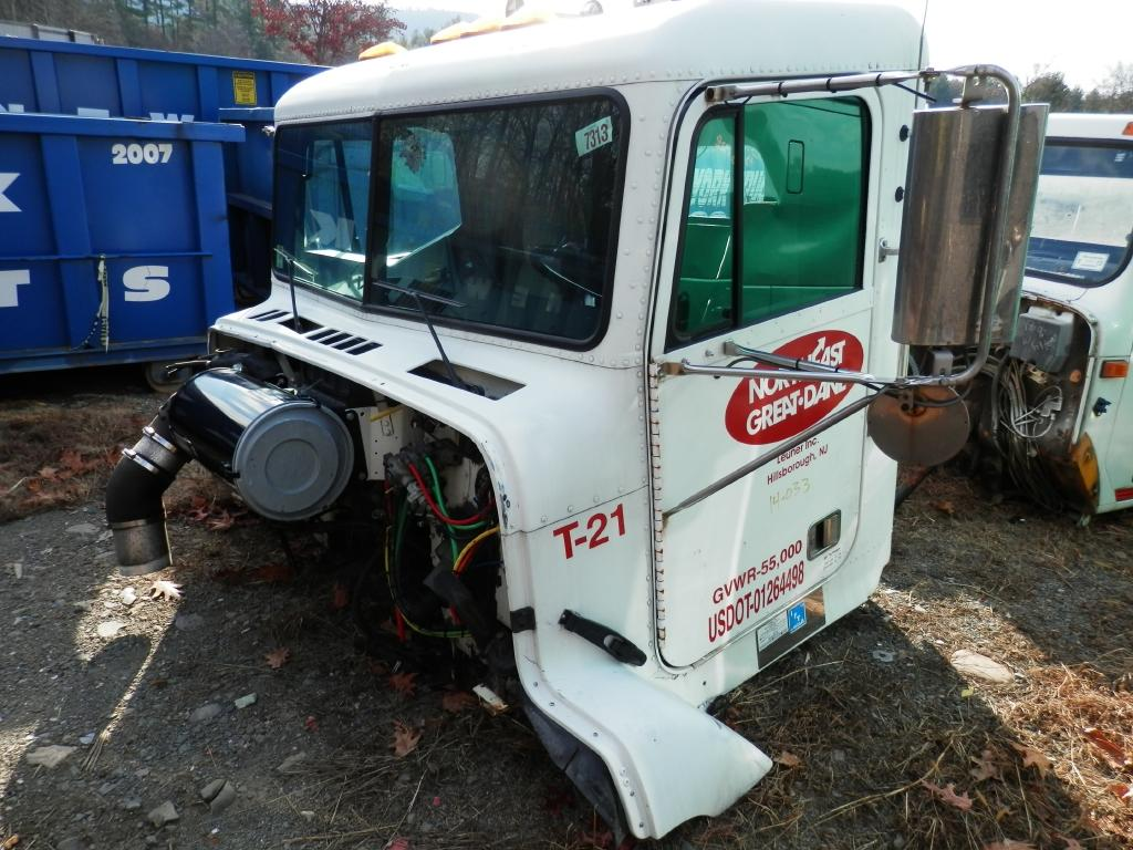 2003 FREIGHTLINER FLD112SD CAB TRUCK PARTS #586800