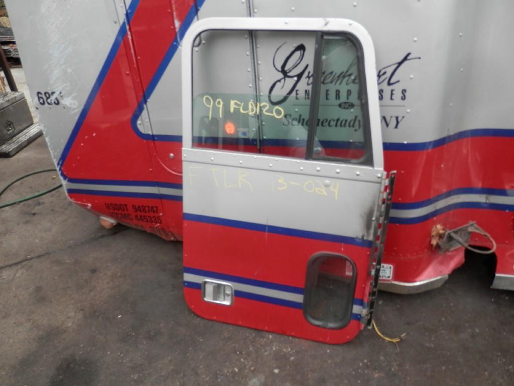 1999 FREIGHTLINER FLD120SD DOOR TRUCK PARTS #584964