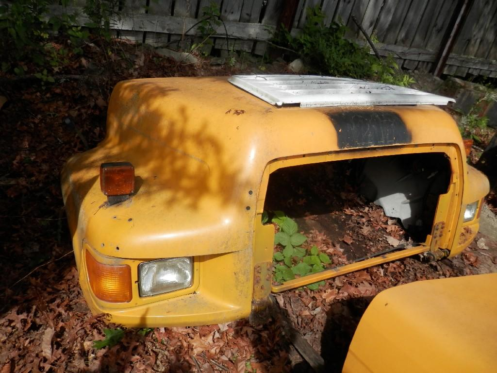1998 FORD F700 HOOD TRUCK PARTS #584861