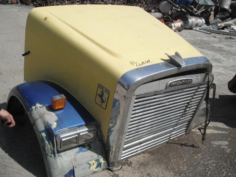 2000 FREIGHTLINER FLD120T CLASSIC HOOD TRUCK PARTS #584822