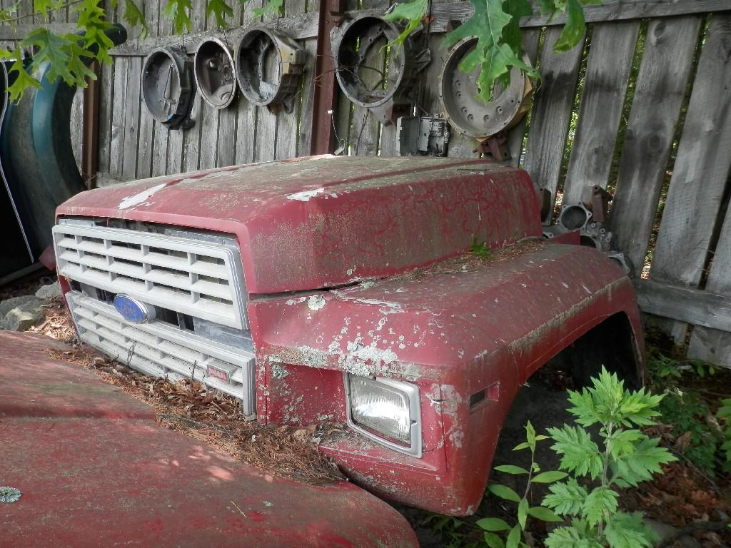 1995 FORD F700 HOOD TRUCK PARTS #584873