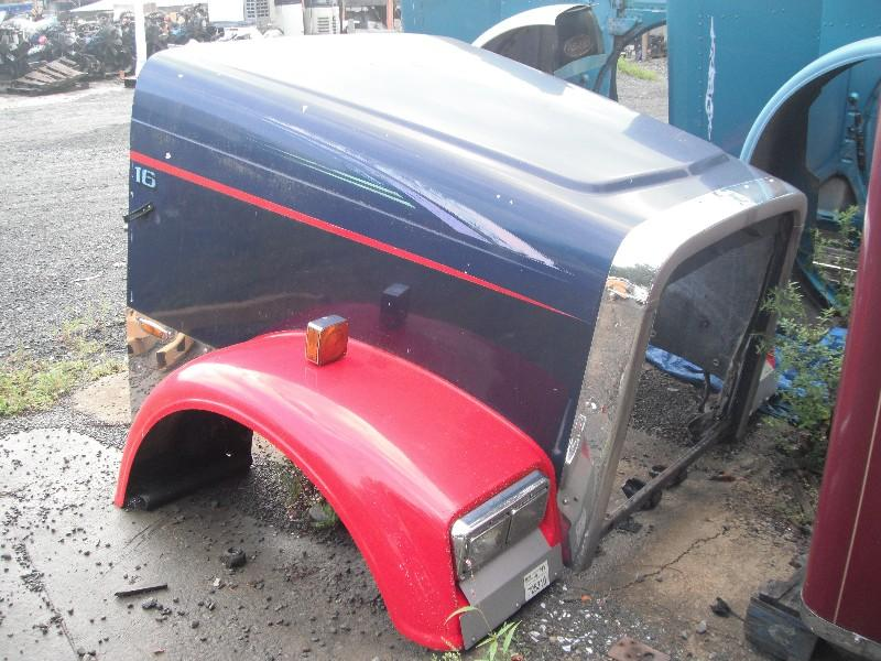 1995 FREIGHTLINER FLD112T CLASSIC HOOD TRUCK PARTS #584835