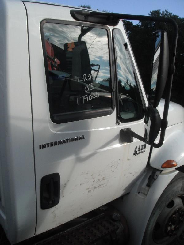 2003 INTERNATIONAL 4400 DOOR TRUCK PARTS #584930