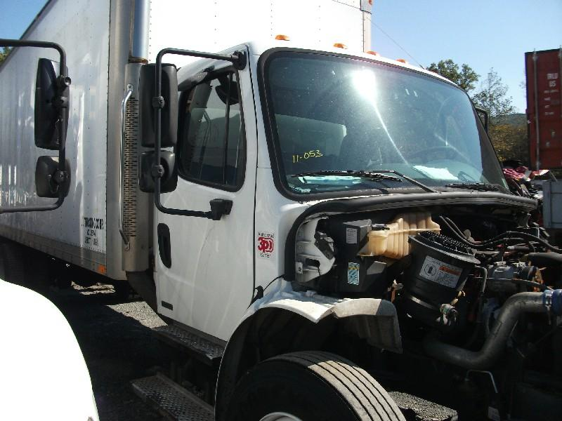 2005 FREIGHTLINER M2 106 CAB TRUCK PARTS #586785
