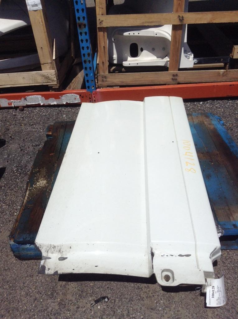 2006 VOLVO VNL SKIRT TRUCK PARTS #757230