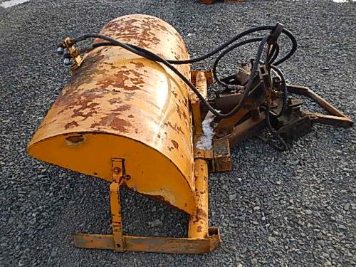 Trackless Sweeper attachment Equipment (Mounted)