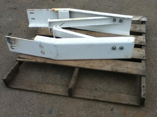 MACK LEU613 Bumper Assembly, Front