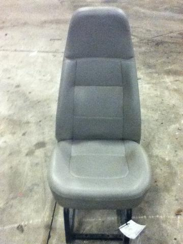 FREIGHTLINER CL112 Seat, Front