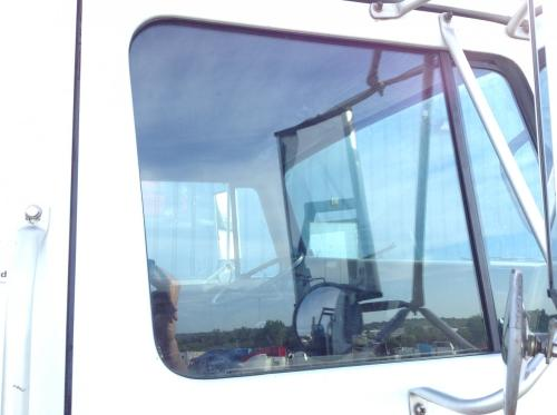 INTERNATIONAL 4600 Door Glass, Front