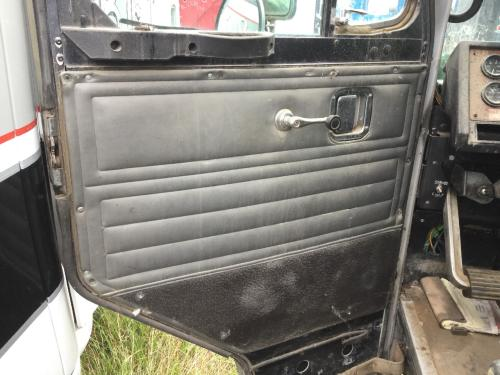 PETERBILT 320 LCF Door Assembly, Front