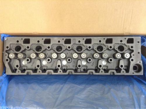 INTERNATIONAL DT466E Cylinder Head