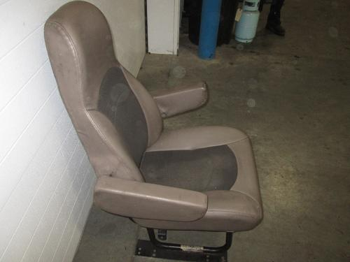 INTERNATIONAL 4300 Seat, Front