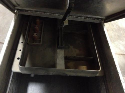 CHEVROLET SILVERADO 2500 PICKUP Tool Box