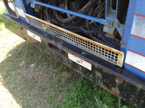 MACK LE613 Grille