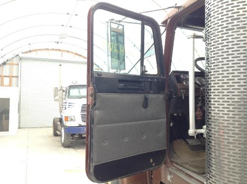 FREIGHTLINER FLD120 CLASSIC Door Assembly, Front