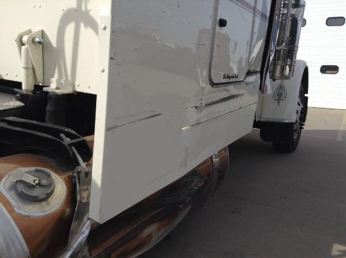 PETERBILT 389 Side Fairing