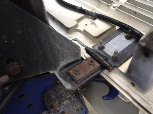 INTERNATIONAL 4700 Hood Hinge