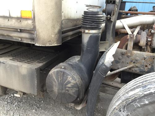 CHEVROLET T7500 Air Cleaner