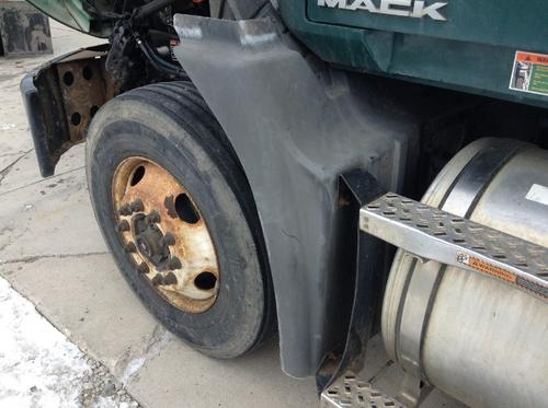 MACK CX613 Fender