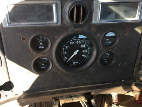 FORD LN8000 Instrument Cluster