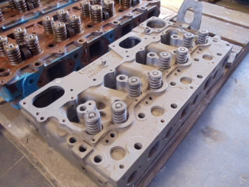 CAT 3304 Cylinder Head