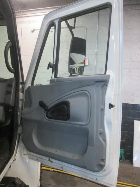INTERNATIONAL 4300 Door Vent Glass, Front