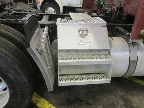 FREIGHTLINER FLD132 CLASSIC XL Tool Box