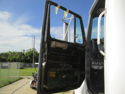 INTERNATIONAL 7100 Door Assembly, Front