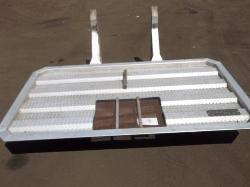 WHITE/GMC WCM Headache Rack
