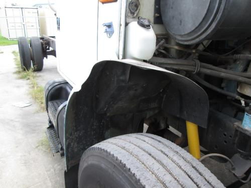 INTERNATIONAL 4900 Fender Extension