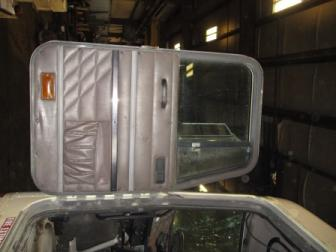 INTERNATIONAL 9800 Door Assembly, Front