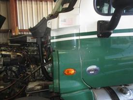 FREIGHTLINER CASCADIA 125 Cowl