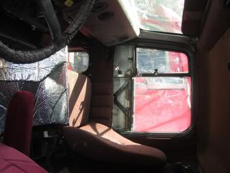 INTERNATIONAL F9300 Door Assembly, Front