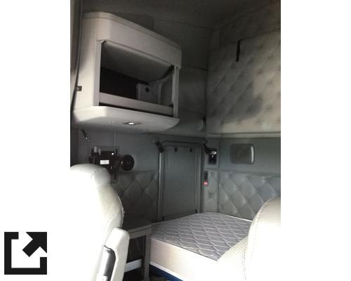KENWORTH T680 CAB