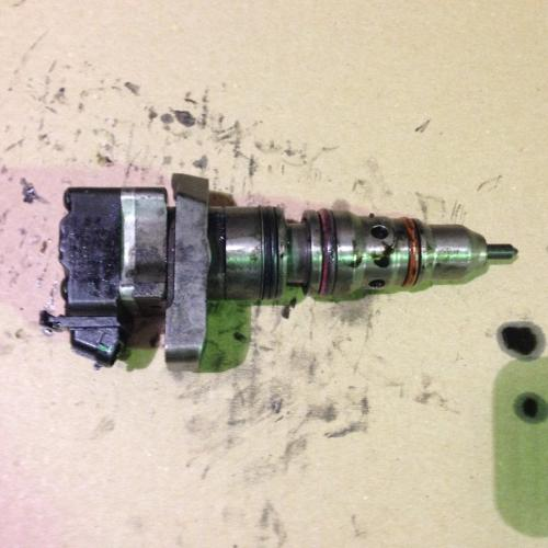 INTERNATIONAL DT466E   Fuel Injector