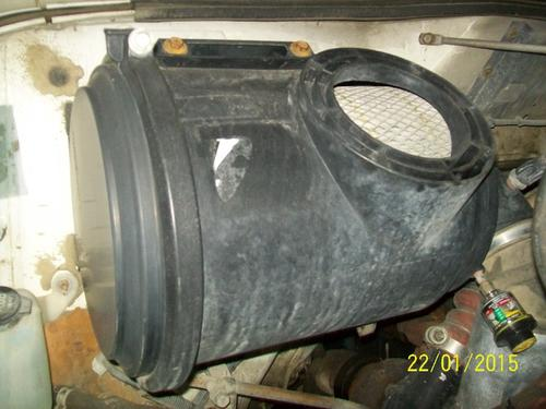INTERNATIONAL 4700LP Air Cleaner