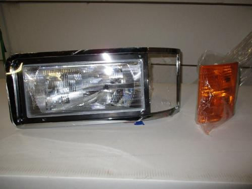 MACK CH600 Headlamp Assembly