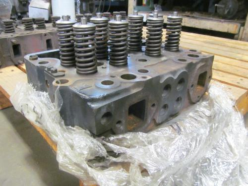 CUMMINS N14 Cylinder Head