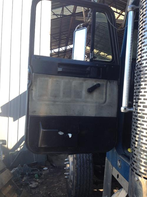 FREIGHTLINER FLD132T CLASSIC XL Door Assembly, Front