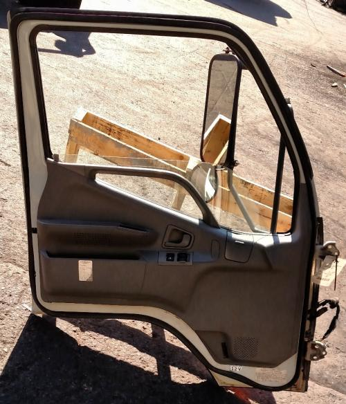 MITSUBISHI FUSO FE-SP Door Assembly, Front