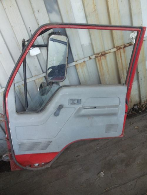 MITSUBISHI FUSO FE-HD Door Assembly, Front