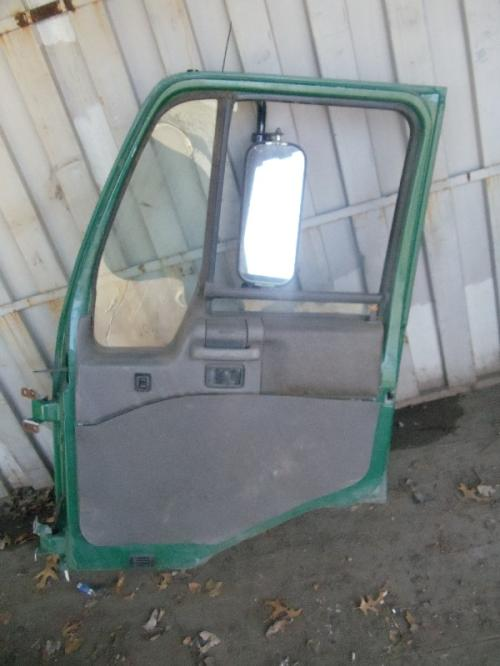 UD TRUCK UD1600 Door Assembly, Front
