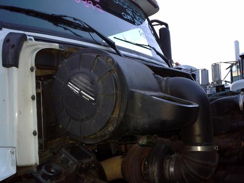 VOLVO VN Air Cleaner