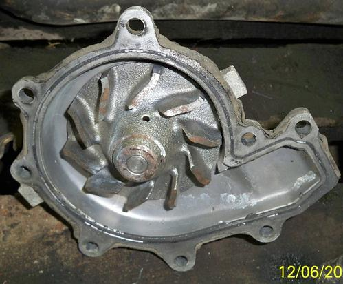 ISUZU 4HE1 Water Pump