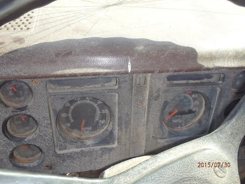 INTERNATIONAL 2275 Instrument Cluster