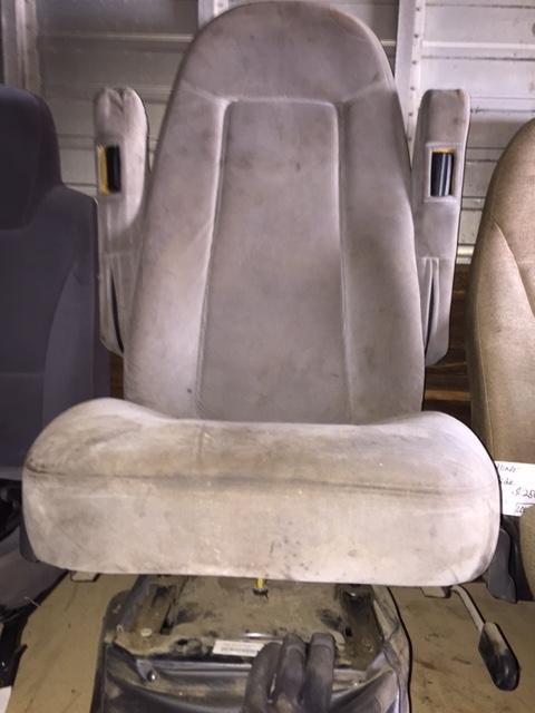 FREIGHTLINER  Seat, Front