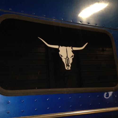PETERBILT 379 Back Glass